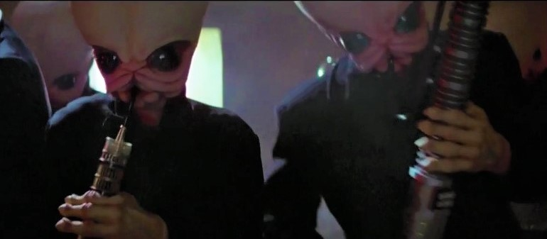 Musicians in the Mos Eisley Cantina in the first 1977 Star Wars movie