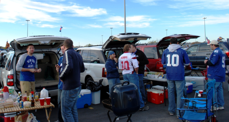 Bens tailgate by Ben Vardi via Wikipedia Commons