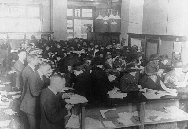 1920_tax_forms_IRS_mass_filing_Wikimedia_Commons