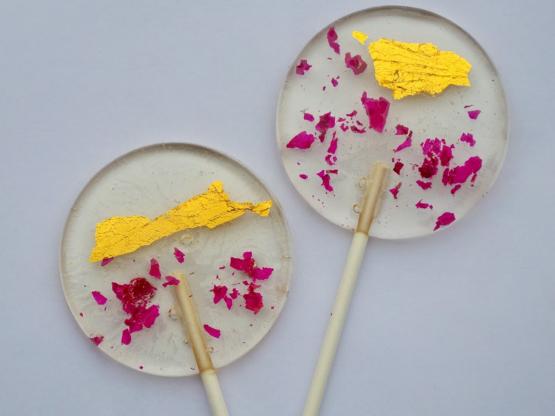 Gourmet lollipops handcrafterd with 24K gold