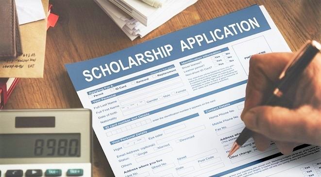 Scholarship-Application-Form-Assistance_cropped