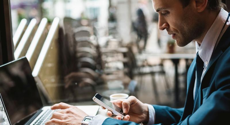 Multitasking-digital-devices