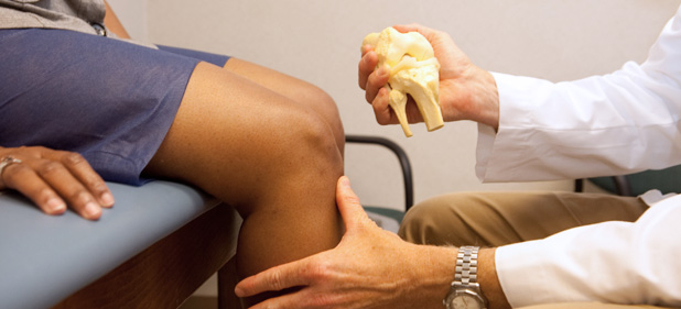 Knee joint replacement examination_OrthoWilmington