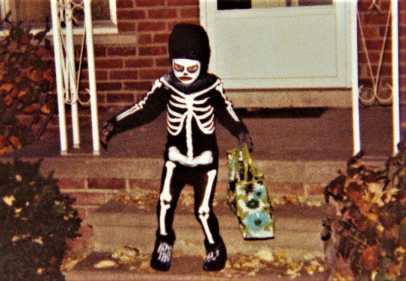 Trick_or_Treater by Don Scarborough via Wikipedia Commons_cropped