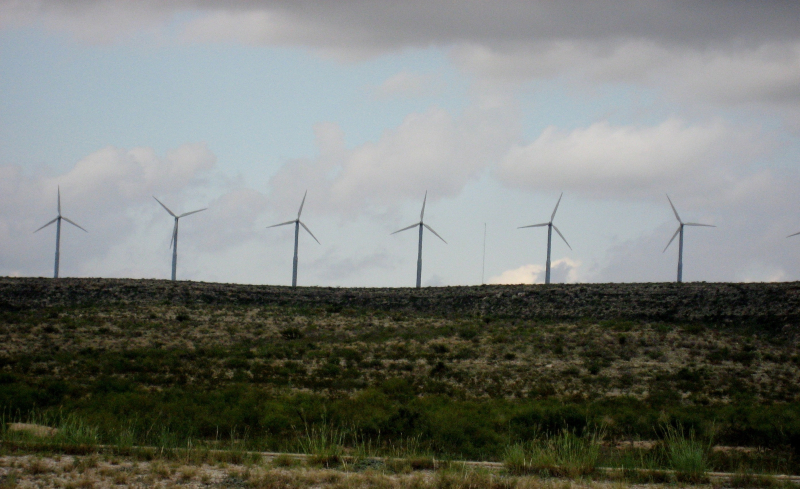 Windmills in Fort Stockton Texas_2006-09-11 13.35.38-2