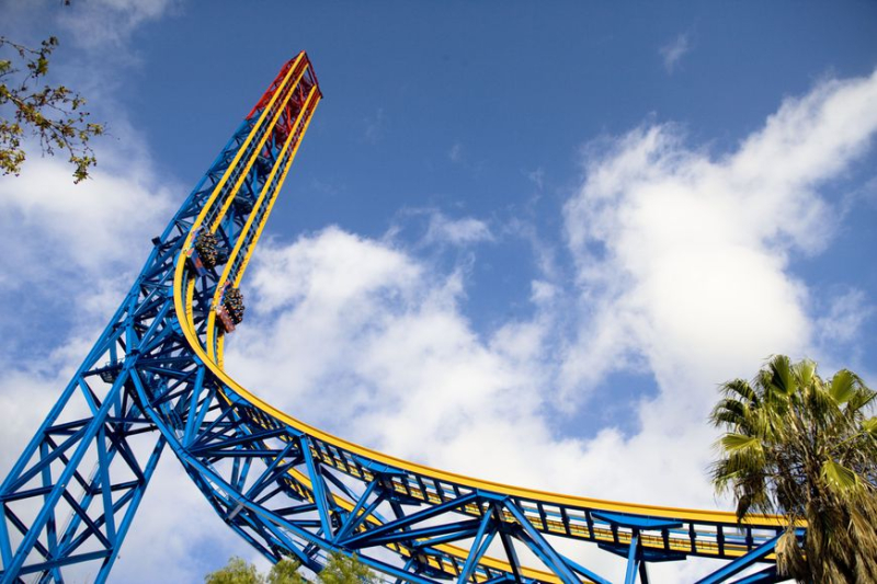 Superman-Escape-From-Krypton_courtesy-Six-Flags-Magic-Mountain