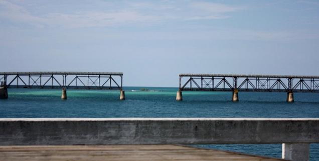 Gap in the old Florida Keys bridge by Ewen Robert via Flickr CC