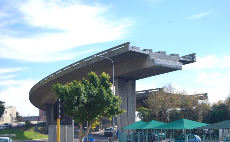 Unfinished bridge in Cape Town_Paul Mannix via Flickr CC