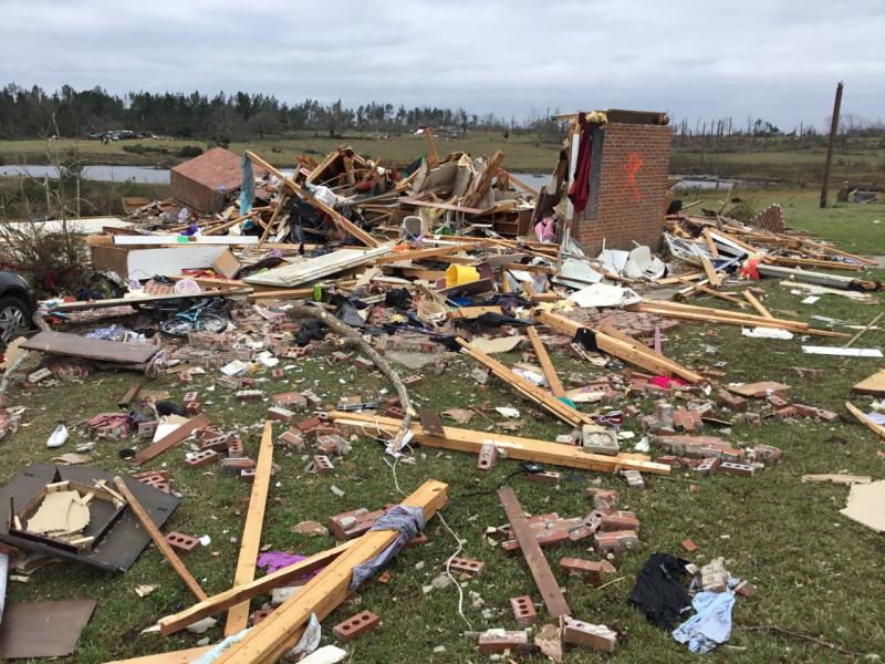 Damage from Alabama tornado March 3 2019_2_NWS Birmingham AL via Twitter