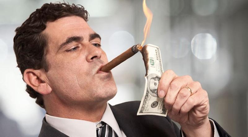 Rich-people-burning-money-cigar