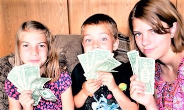Kids with money_Carissa Rogers via Flickr CC
