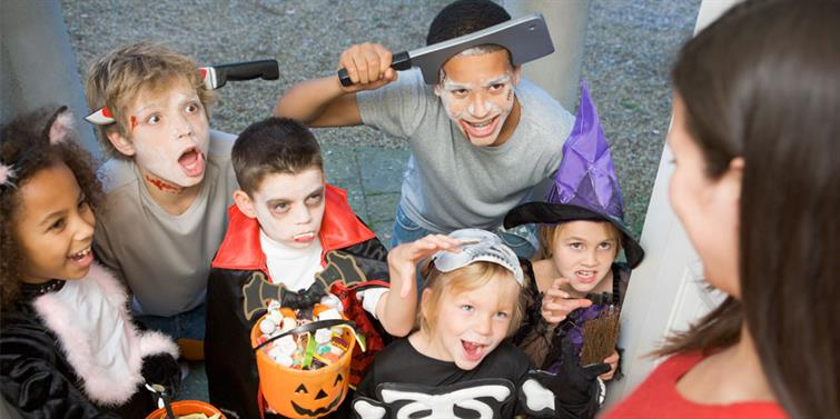 Halloween trick or treaters