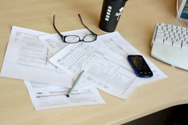 Filing taxes by MoneyBlogNewz via Flickr CC