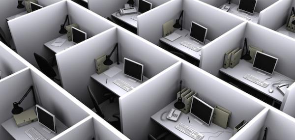 Trabalhadores da Receita Federal retornando em 1 de junho aos escritórios e 10 milhões de pedaços de correio aberto