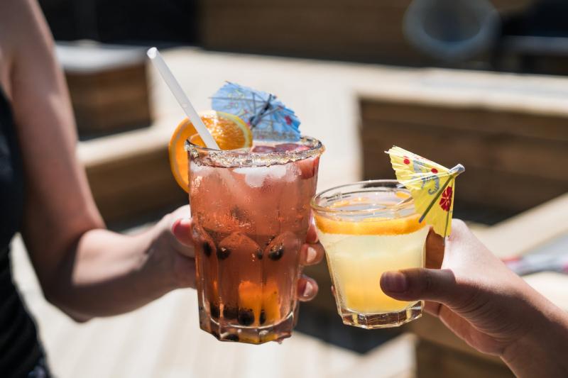 Colorful cocktails toast_burst via pexels_545058