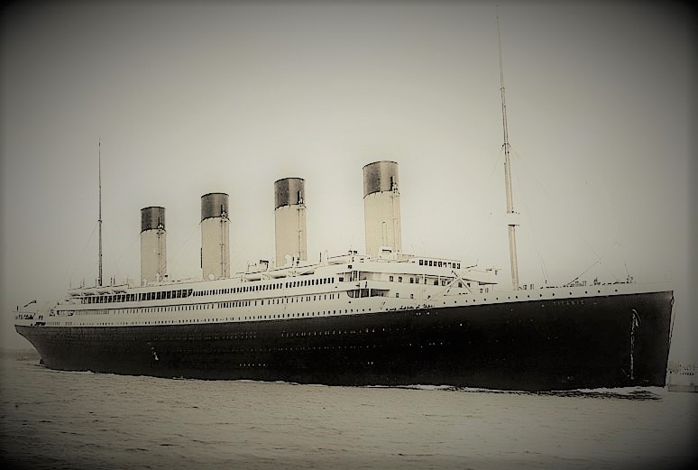 RMS-Titanic_Wikipedia Commons_cropped