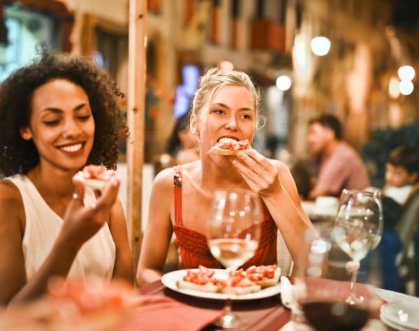 Casa Branca libera crédito fiscal para incentivar retorno a comer fora, viagens nos EUA