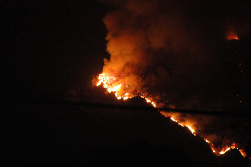 Wildfire at night_chenjack via flickr cc april 2008