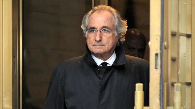 Bernie Madoff coming out of court 2009