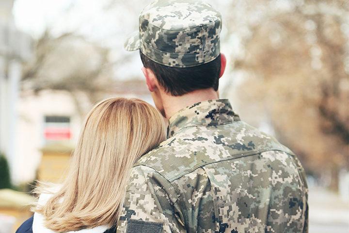 Military-couple-spouse1