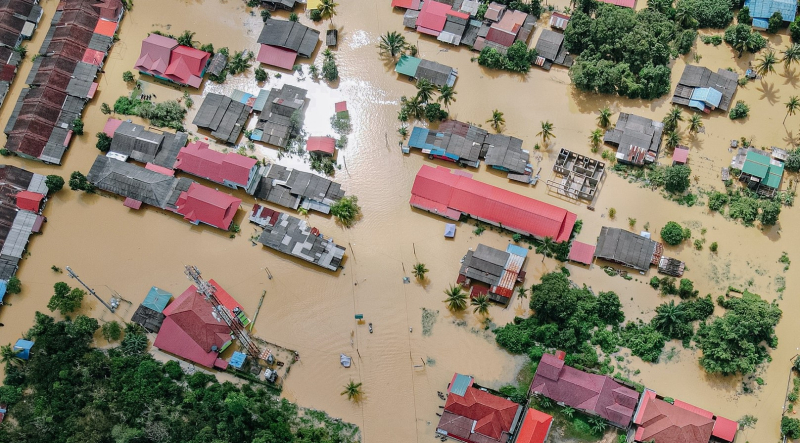 Flooded houses overhead image_pexels-pok-rie-6471947-1