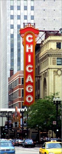 Chicago_theatre_sign_2