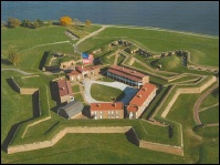 Fort_mchenry_overview_2
