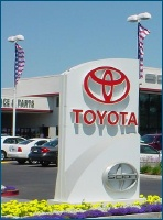 Toyota_dealership